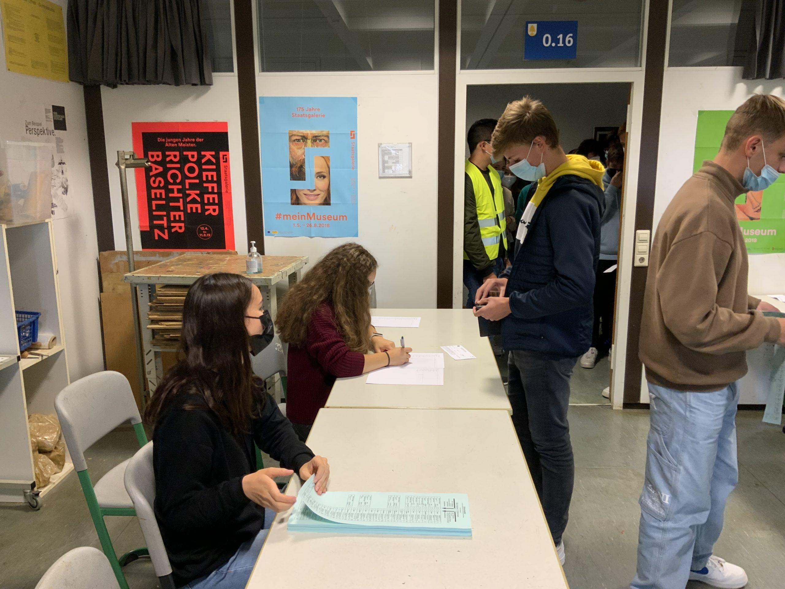Read more about the article Impressionen und Ergebnis der Juniorwahl am Limes-Gymnasium